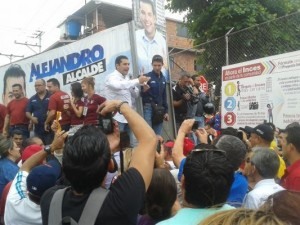 Candidates-Officially-Launch-Campaigns-to-Replace-Jailed-Venezuelan-Opposition-Mayors