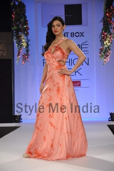 Sonaakshi Raaj's latest is for the summer bride