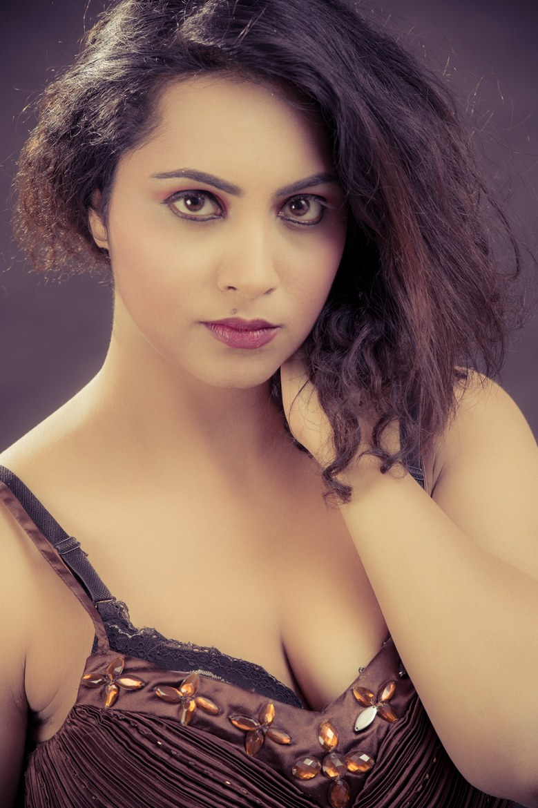 Arshi Khan Model and Actress is Ms North India Queen 2014