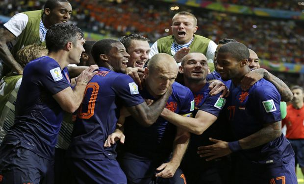 FIFA-World-Cup-2014-Robin-Van-Persie-Arjen-Robben-Guide-Netherlands-to-5-1-Win-Over-Spain