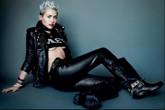 Miley-Cyruss-car-jewellery-stolen