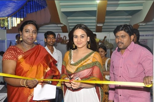 Trendz – Summer Fashion Exhibition Inaugurated by South Indian Actress Aksha
