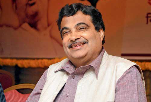 Nitin-Gadkari-takes-charge-of-portfolios-held-by-Munde