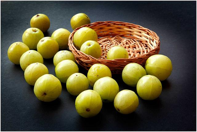 Top-9-health-benefits-of-amla-or-Indian-gooseberry