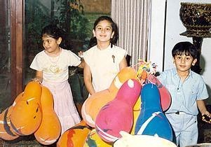 Kareena and Karishma Childhood Photos