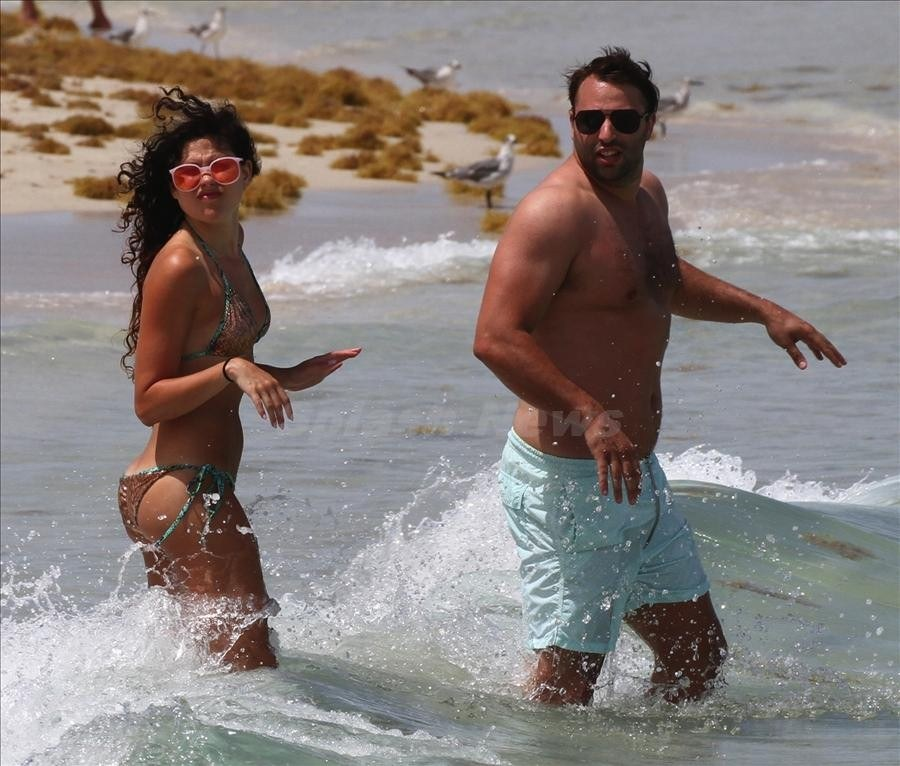Eliza Doolittle soaks up some sun in Miami