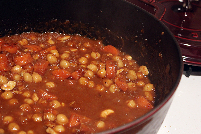 Easy-Crock-Pot-Moroccan-Chicken-Chickpea-and-Apricot-Tagine