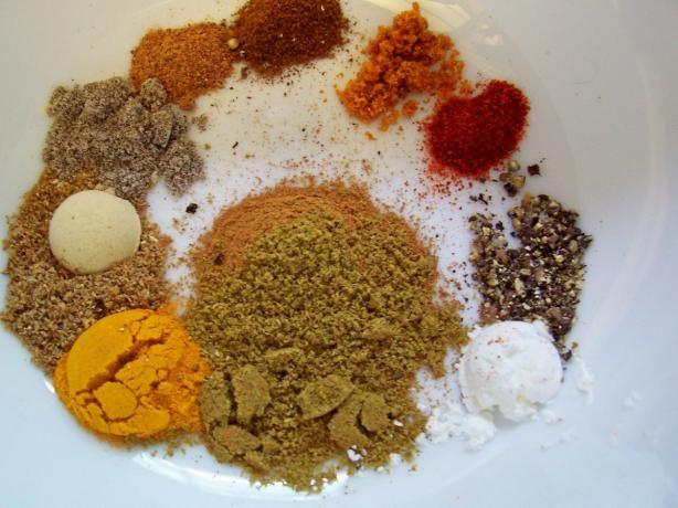 Ras-El-Hanout-Moroccan-Spice-Mix-African-Recipe