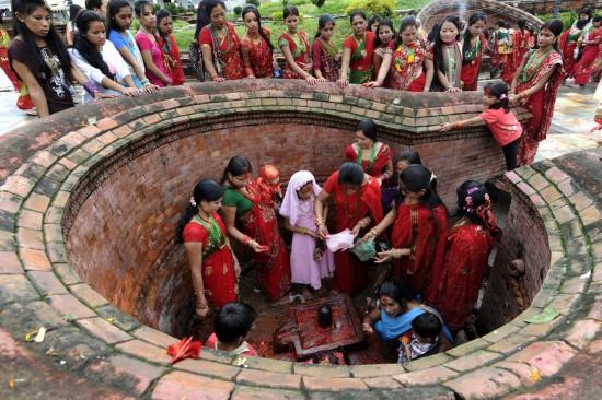 teej-nepal-festival-himalayas-mountains-adventure-trekking