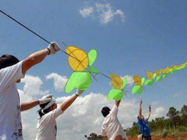 The longests kite flying in Kunming