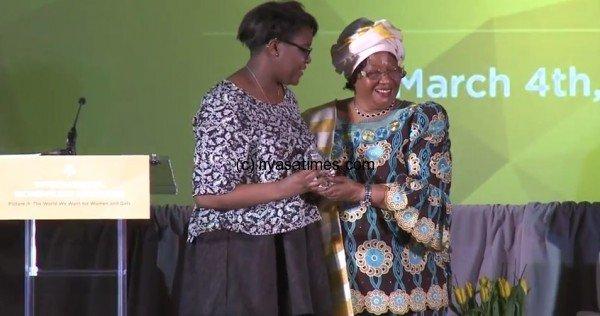 Former-President-of-Malawi-Joyce-Banda-recognizes-Girl-Up-Teen-Advisor-Kennede-Resse-for-her-efforts-to-empower-girls-around-the-world