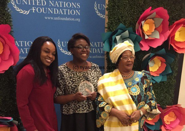 Joyce-Banda-woth-Girl-Teen-Up-advocate-after-she-presented-her-with-the-UN-Foundation-award