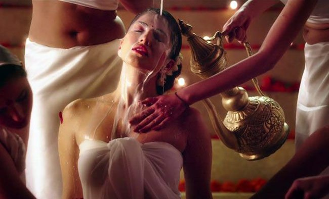 Sunny Leone's Ek Paheli Leela's trailer viewed more than 6.2 million times