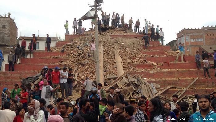 Earthquake-Death-toll-surges-injured-in-nepal