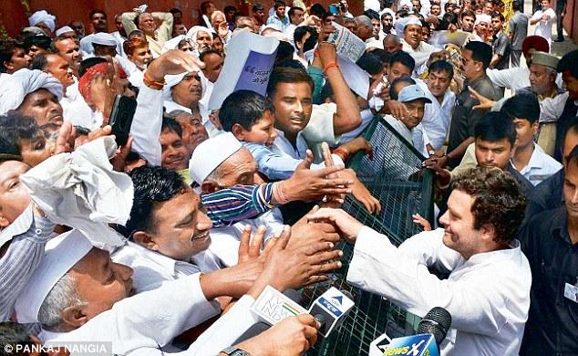 Rahul-Gandhi-takes-Land-bill-battle-to-Punjab