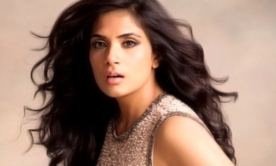 Bollywood Actress Richa Chadda Play Journalist In Chalk N Duster