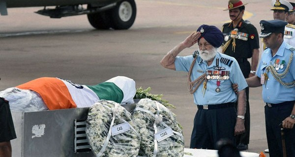 96-Year-Old-IAF-Marshal-Arjan-Singh-Pays-His-Last-Respects-To-Dr-Kalam