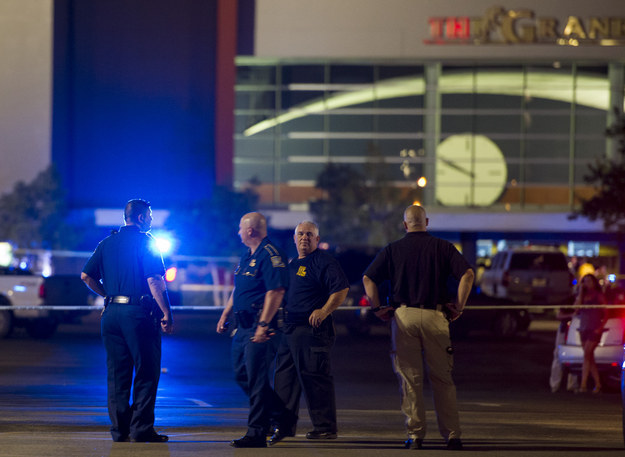 Gunman-shoots-Nine-People-also-himself-At-Lafayette-Theatre-In-Lousiana