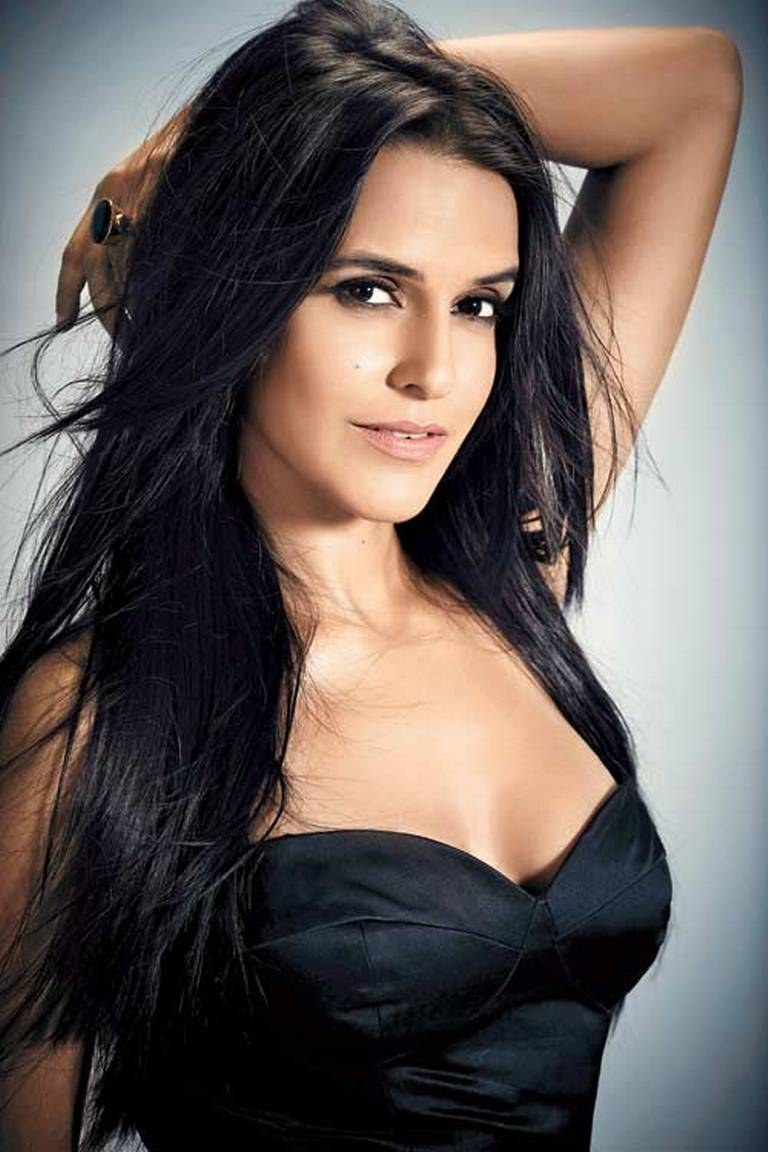 Helpless Citizen Of Mumbai Neha Dhupia Clarifies Her Anti-Government Tweet