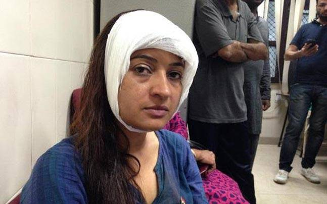 Aam-Aadmi-Party-MLA-Alka-Lamba-attacked-during-anti-drug-drive-in-Delhi