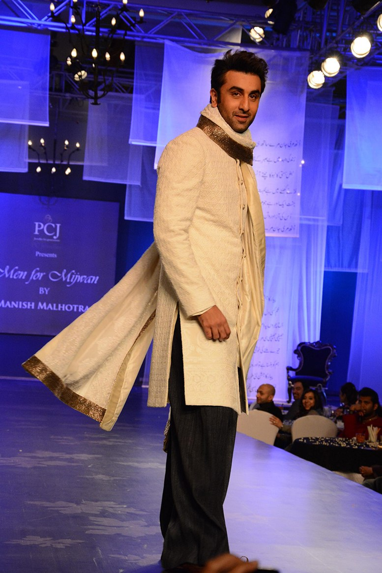 Get ready to see Ranbir Kapoor on the runway for fashion designer Manish Malhotra