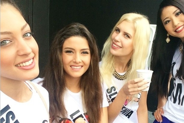 Lebanon in a Fury Over Photobomb Between Miss Israel and Miss Lebanon