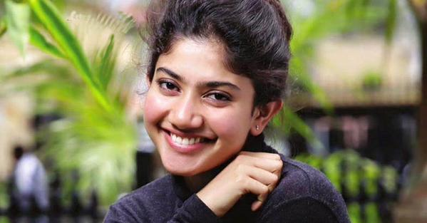 Sai-Pallavi-aka-Malar-of-Premam-Requests-Media-to-Tell-the-Truth-during-Onam-celebration