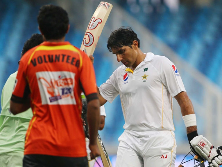 Pakistan-Cricket-Board-urges-Misbah-Ul-Haq-to-delay-retirement