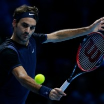 Roger-Federer-beats-in-three-sets-Tennis-Player-Defeat-Kei-Nishikori-at-ATP-World-Tour-Finals-2015