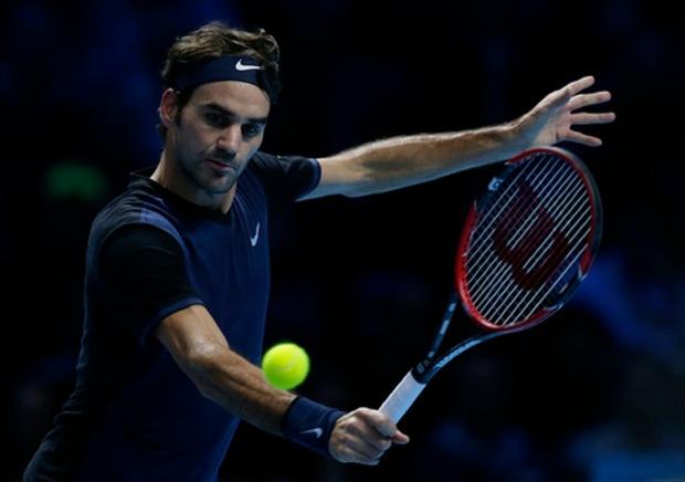 Roger-Federer-beats-in-three-sets-Tennis-Player-Defeat-Kei-Nishikori-at-ATP-World-Tour-Finals-2015