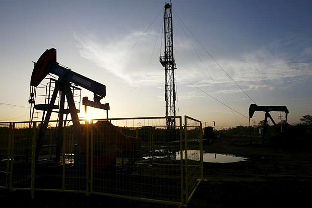 Big-Oil-To-Cut-Investment-Again-In-2016-Say-Vice-President-Of-Rystad-Energy