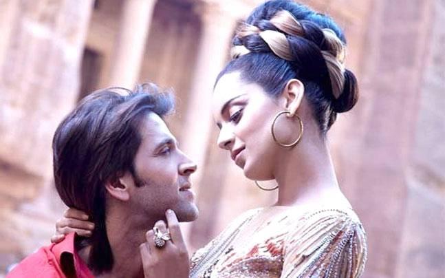 Bollywood-Superstar-Hrithik-Roshan-and-Kangana-Ranaut-In-Relationship