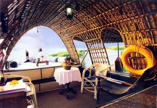 16-Incredible-Pics-You-Have-To-See-To-Believe-How-Luxurious-Kerala-Houseboats-Can-Be-On-The-Inside6