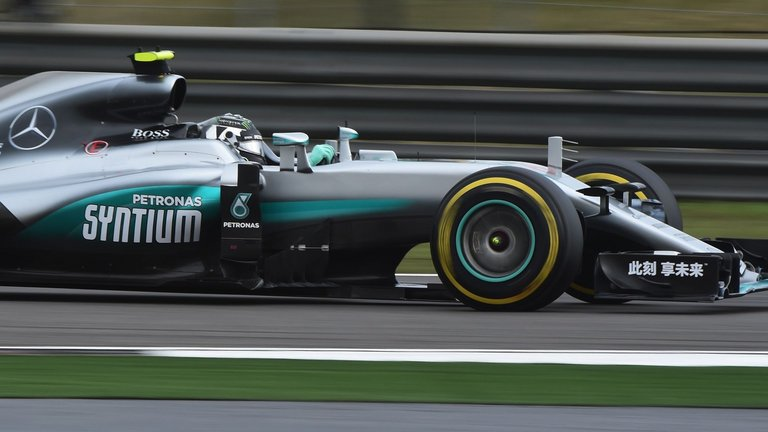 Rosberg-romps-to-hat-trick-in-China-Lewis-Hamilton-seventh