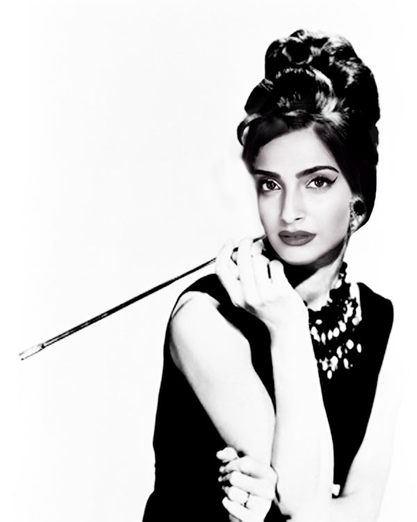 Actress-Sonam-Kapoor-here-Hollywood-gift-to-you-on-your-birthday1