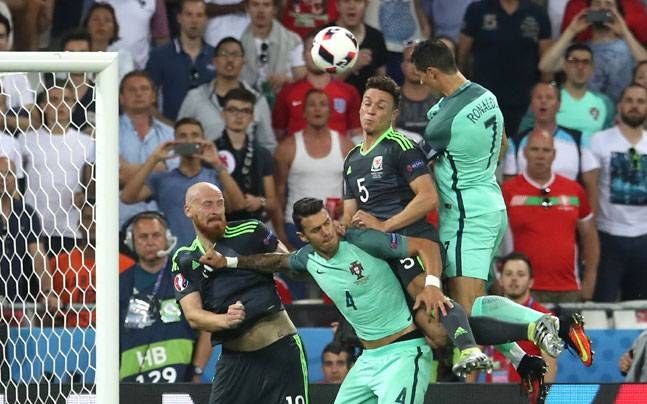 Cristiano Ronaldo Nani Send Portugal into Euro 2016 final