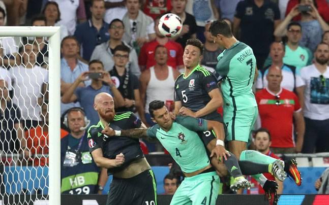 Cristiano-Ronaldo-Nani-Send-Portugal-into-Euro-2016-final