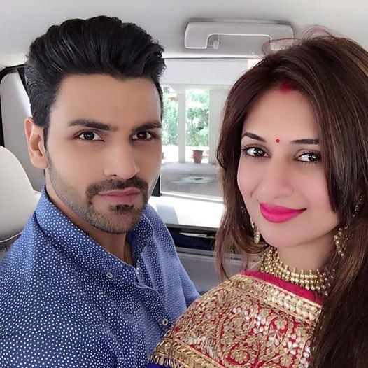 Divyanka Tripathi reveals first picture of Mr and Mrs Dahiya