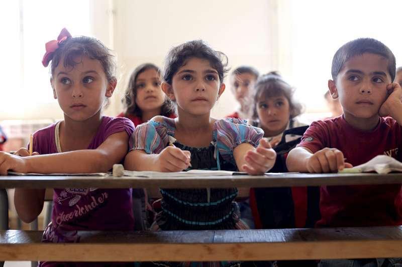 education-for-refugee-children-starts-in-greece-nikos-filis
