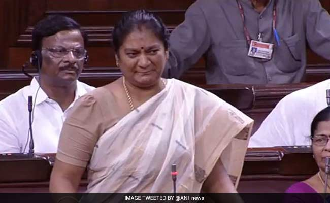 social-media-sites-restrained-from-publishing-sasikala-pushpa-pictures