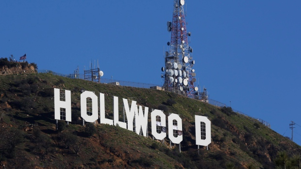 hollywood-sign-hollyweed