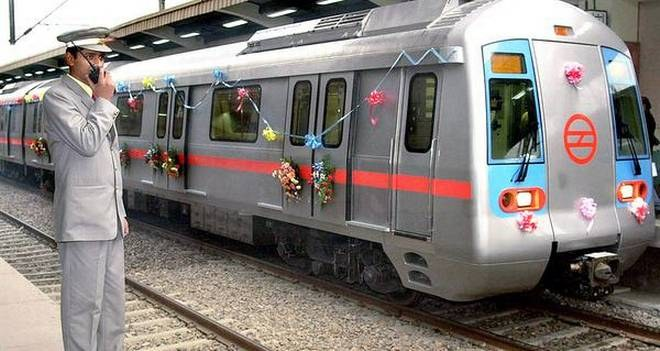SBI levying convenience charge at Delhi Metro, Hurdle for cashless economy